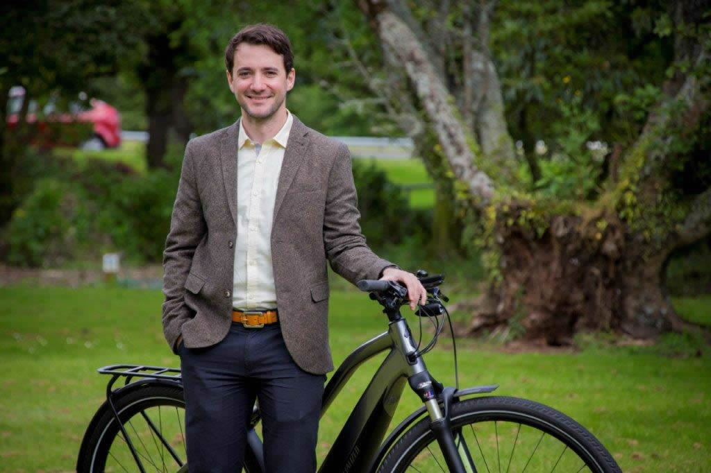 Massey researcher developing e-bike safety sensors receives $25,000 boost from KiwiNet